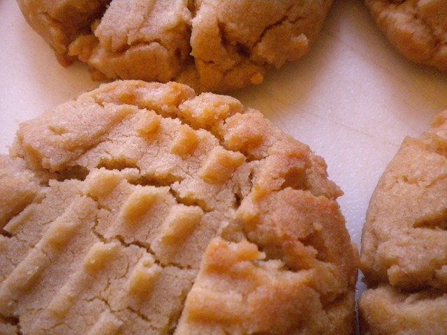 Peanut Butter Cookies, Photo by Denise Krebs, Flickr commons